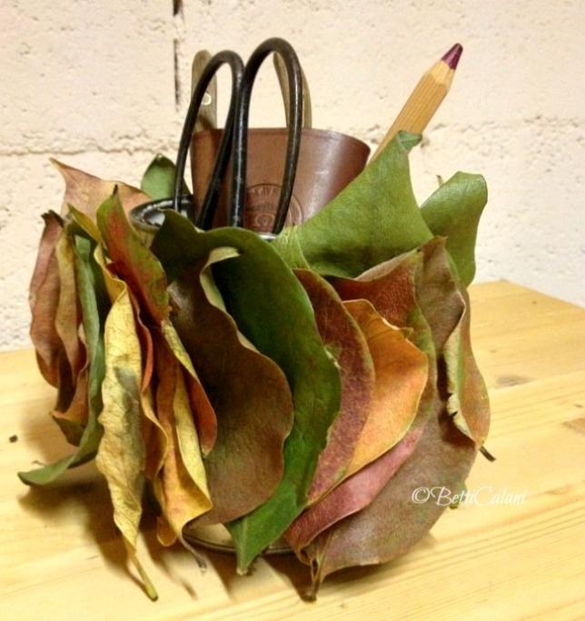 cachepot con foglie di caco